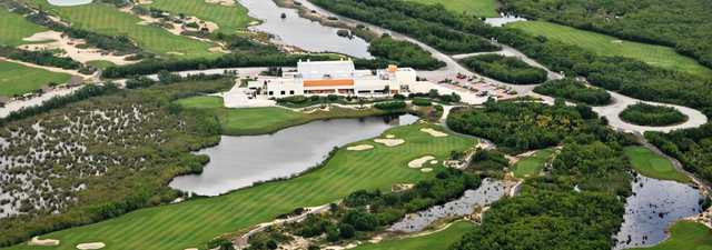 Riviera Cancun Golf & Resorts: Aerial view