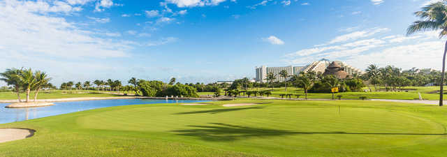Iberostar Cancun GC: 18th green